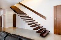 perfekcyjnie wykonane schody jesionowe